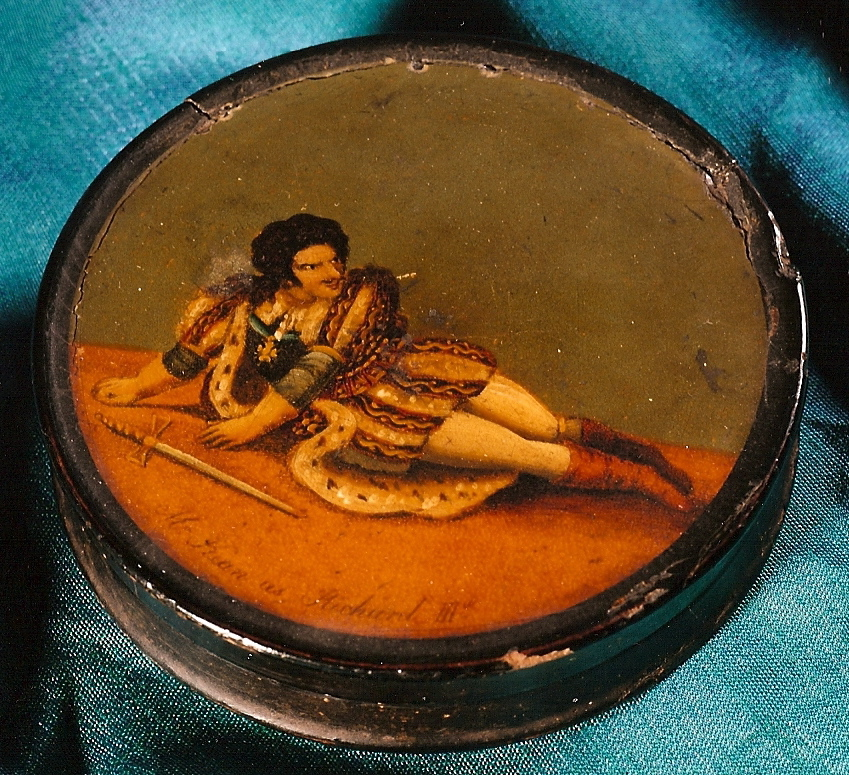 Edmund kean's Snuff box (big)_2